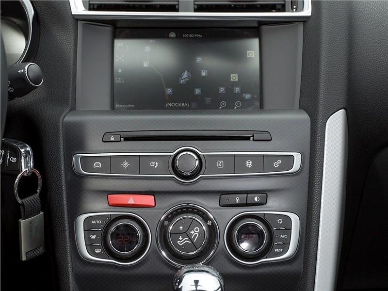 Citroen DS4 2012 центральная консоль