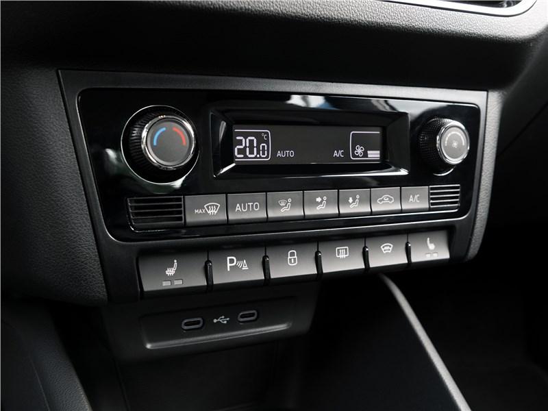 Volkswagen Polo Sedan 2020 климат-контроль