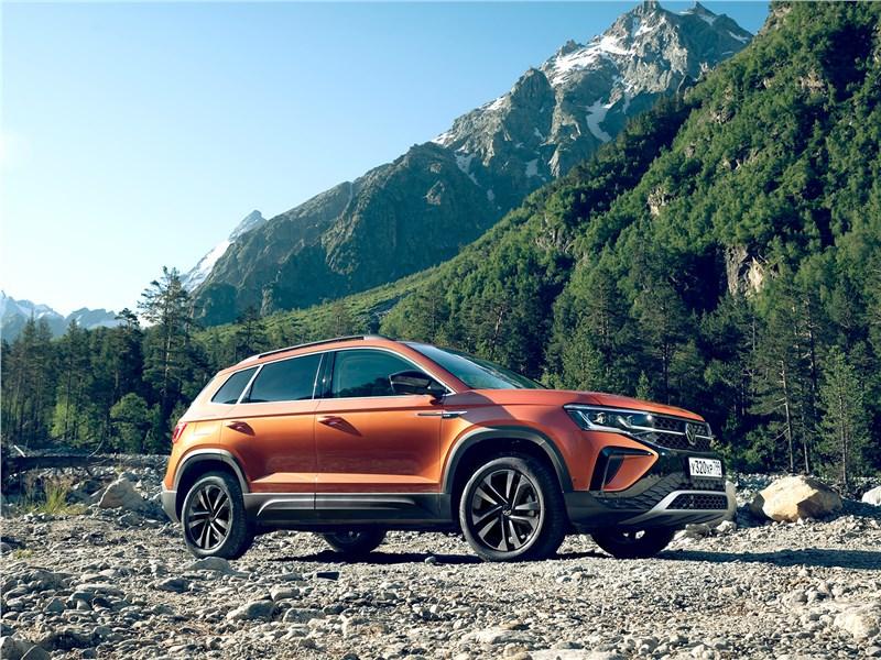 Volkswagen Taos (2022) вид сбоку