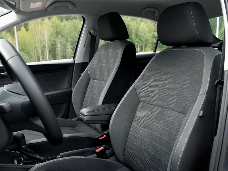 Volkswagen Polo Sedan 2020 передние кресла