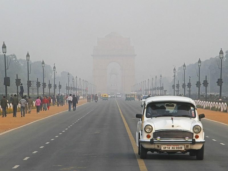 Власти Нью-Дели планируют запретить эксплуатацию старых автомобилей
