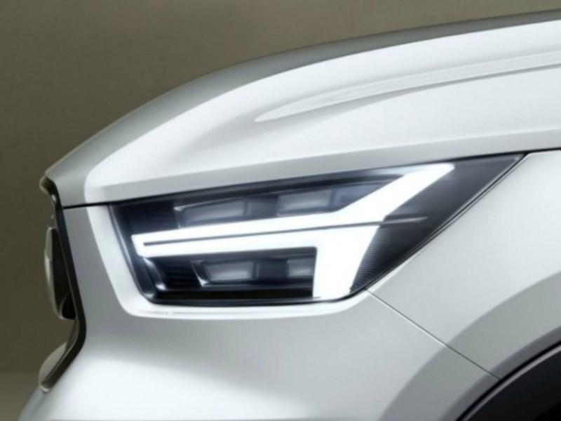 Volvo опубликовала первые тизеры концептов XC40 и V40