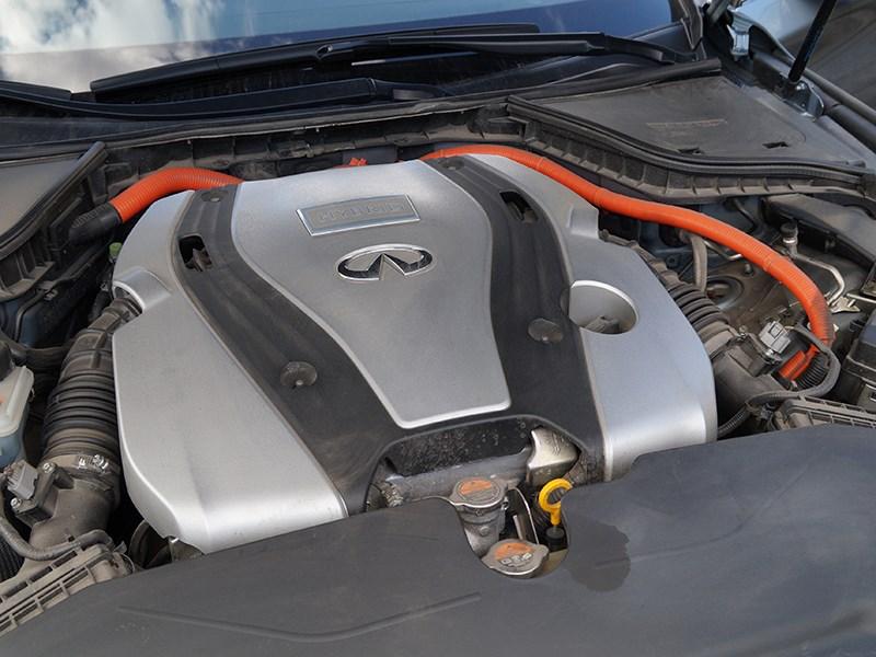 Infiniti Q50S Hybrid 2013 двигатель