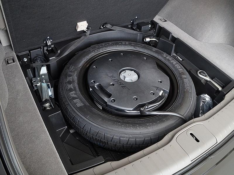 Infiniti QX50 2016 запасное колесо