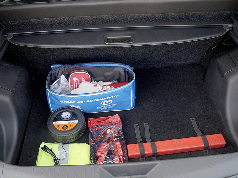 Lifan X50 2015 багажное отделение