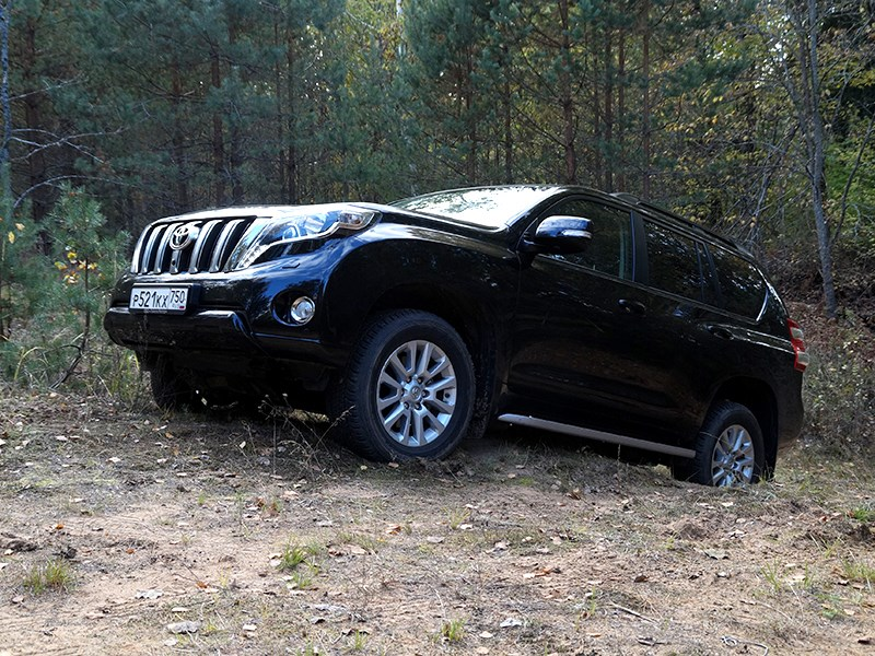 Toyota Land Cruiser Prado 2014 вид сбоку