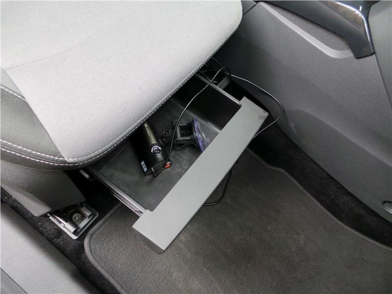 Ford EcoSport 2013 передние кресла