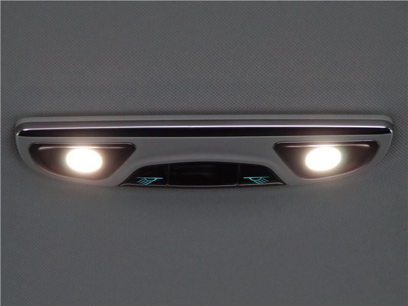 Haval H2 2014 плафон освещения