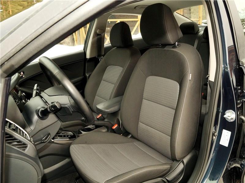 Kia Cerato 2016 передние кресла