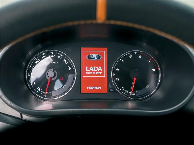 Lada Kalina NFR 2017 приборная панель