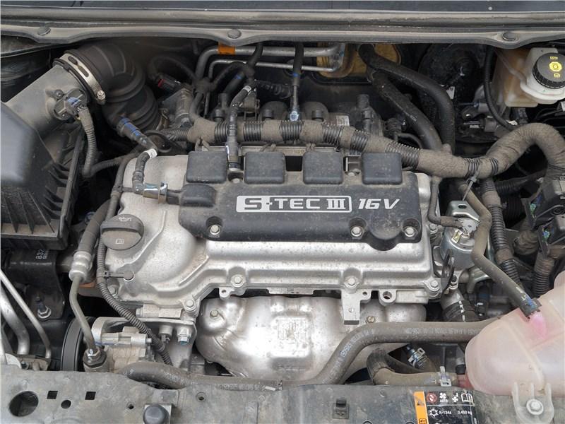Ravon R4 2016 моторный отсек