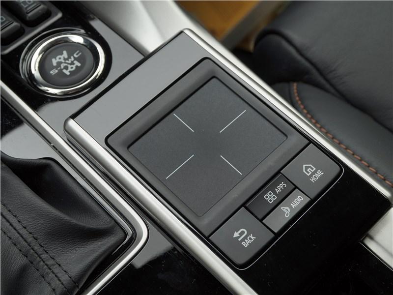 Mitsubishi Eclipse Cross 2018 тачпад