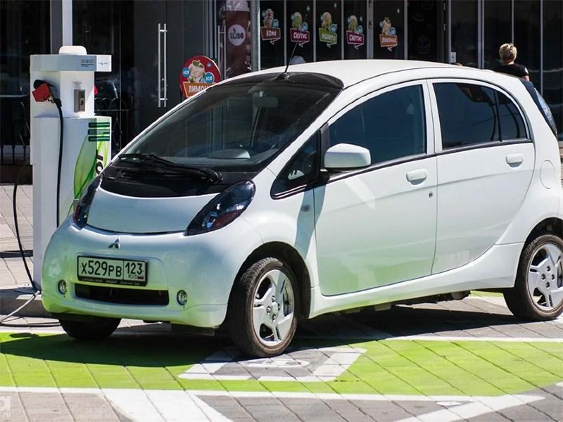 Стало известно точное количество электромобилей в России