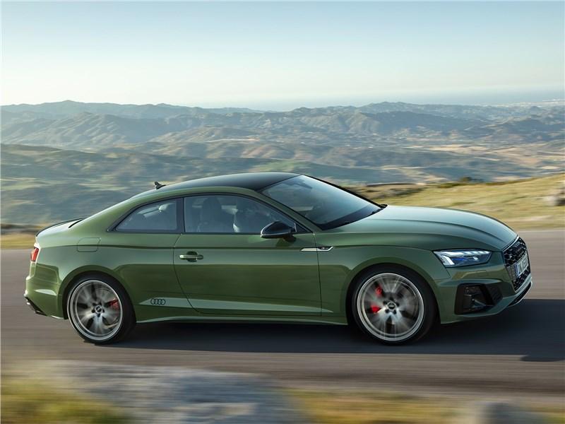 Audi A5 (2020) вид сбоку