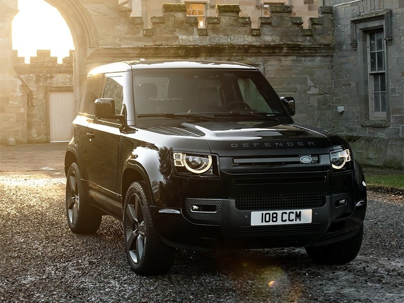Land Rover готовится представить трехрядный Defender