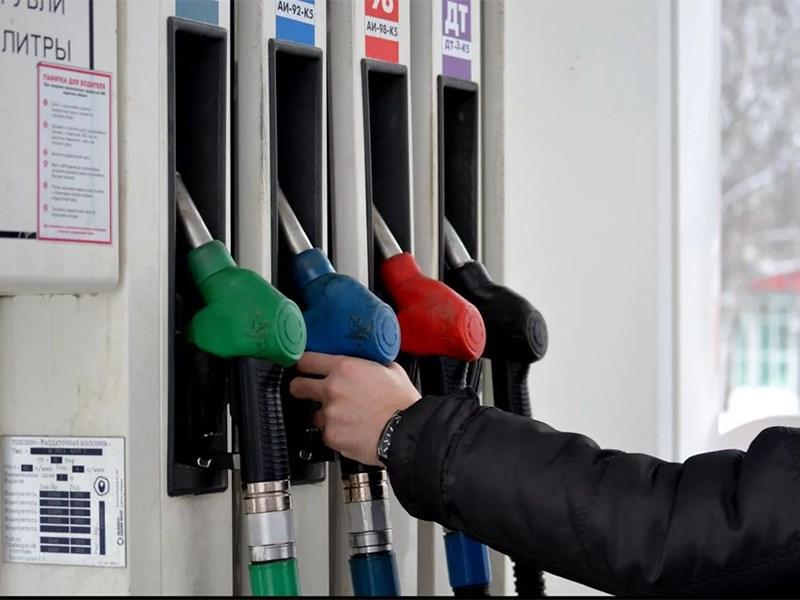 Росстат рапортует о росте цен на бензин