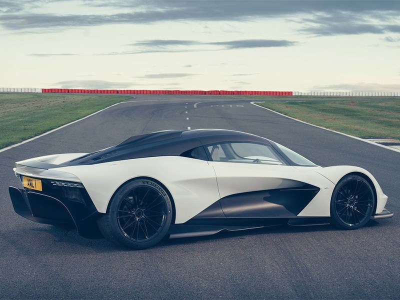 Аston Martin Valhalla превратится в Mercedes