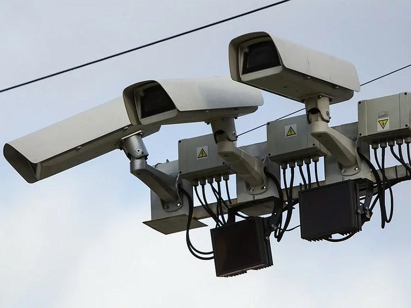 Дорожные камеры выписали почти три тысячи камер за использование мобильного телефона