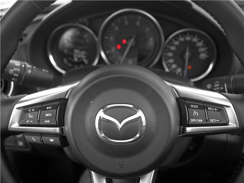 Mazda MX-5 2015 руль