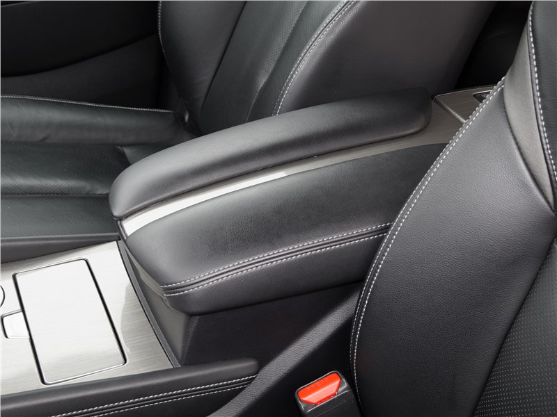 Nissan Murano 2016 передние кресла