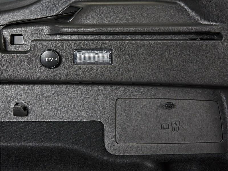 Ford Kuga 2017 багажное отделение