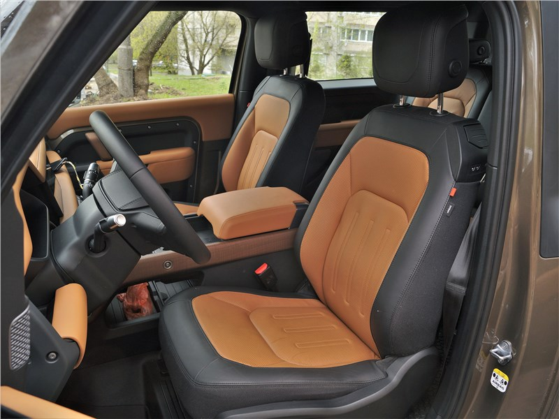 Land Rover Defender 90 (2020) передние кресла