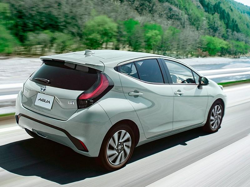 Представлена новая Toyota Aqua