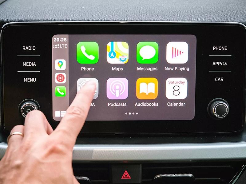 Apple расширит функционал протокола Carplay