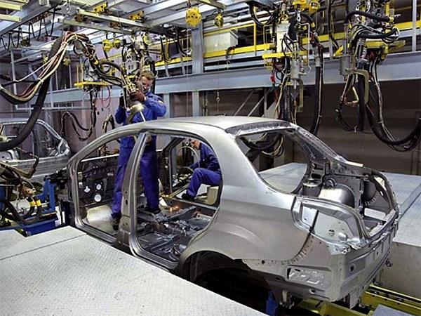 Производство легковых машин в России сократилось на 2,6%