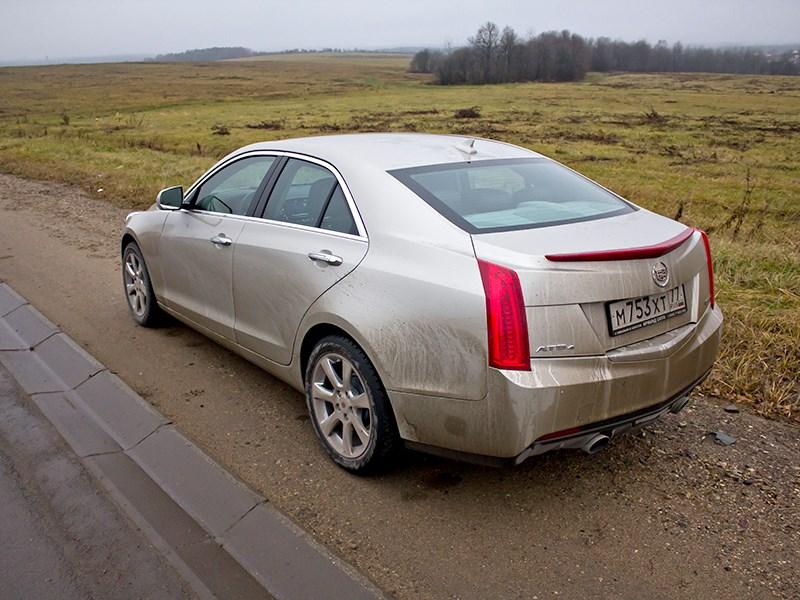 Cadillac ATS 2012 вид сзади 2