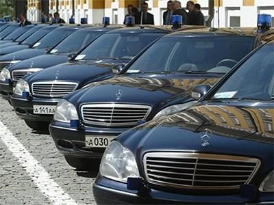 Чиновники Минпромторга обещают составить список «роскошных» автомобилей к марту