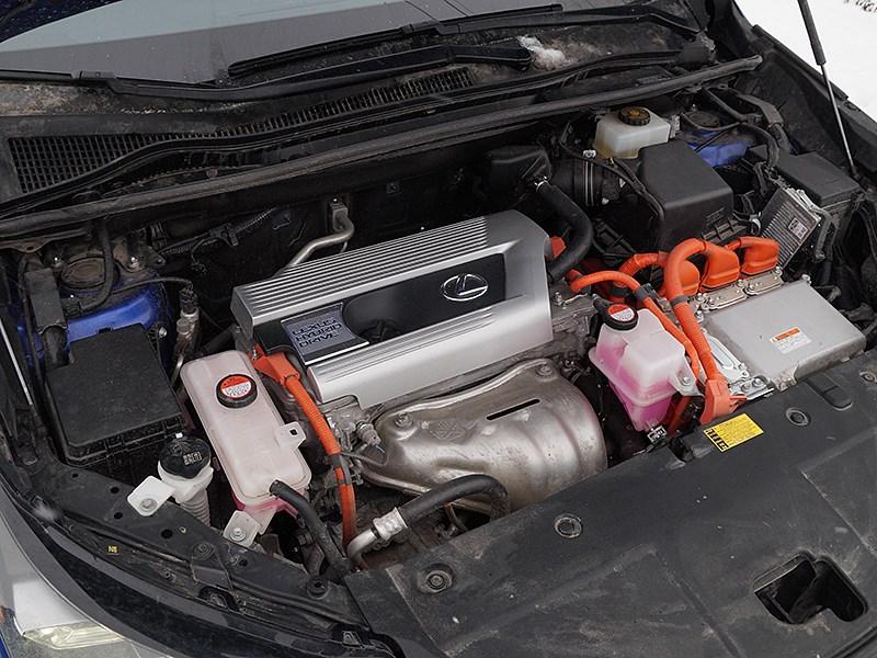Lexus NX 2014 моторный отсек