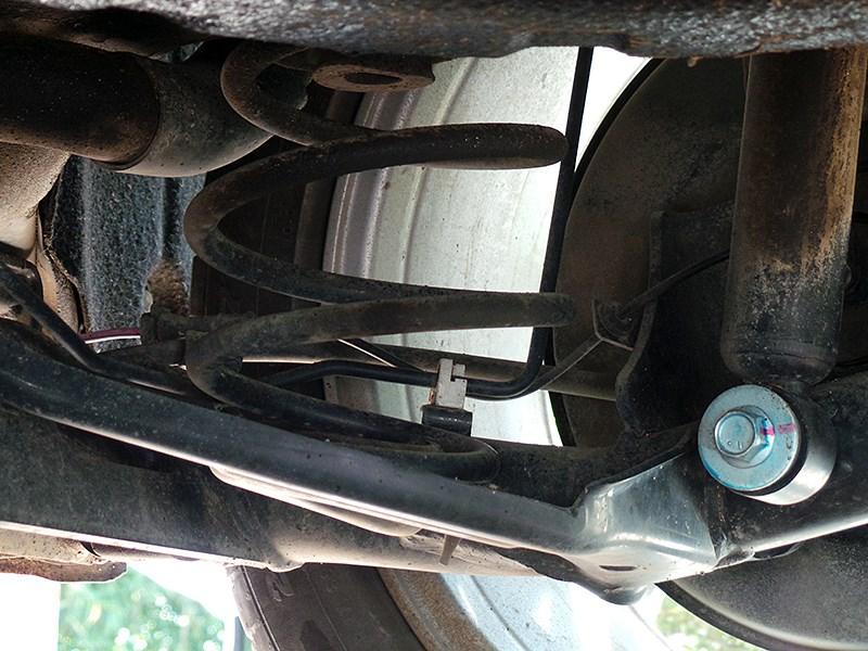 Nissan Tiida 2015 задняя подвеска