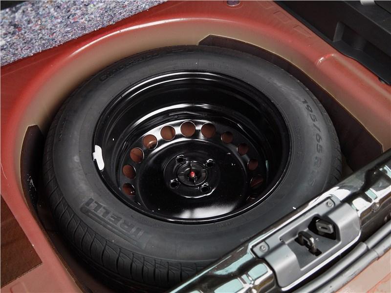 Lada XRay 2015 запасное колесо