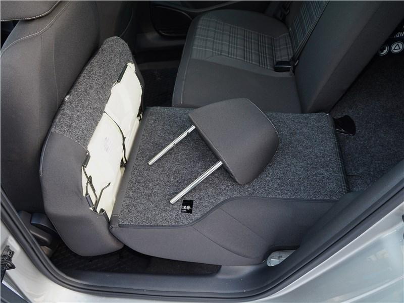 Volkswagen Polo GT 2016 задний диван
