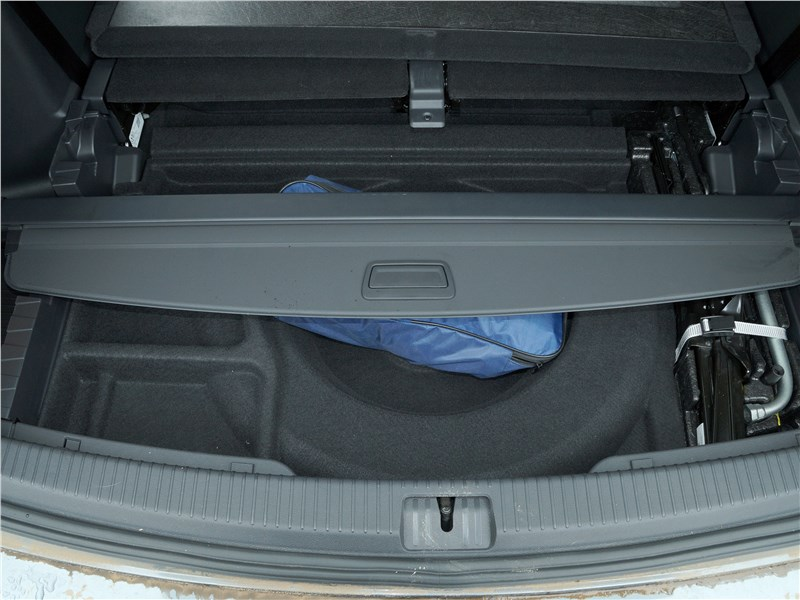 Volkswagen Teramont 2018 багажное отделение