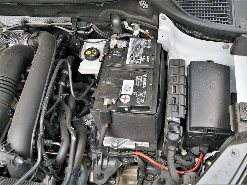 Volkswagen Taos (2022) моторный отсек