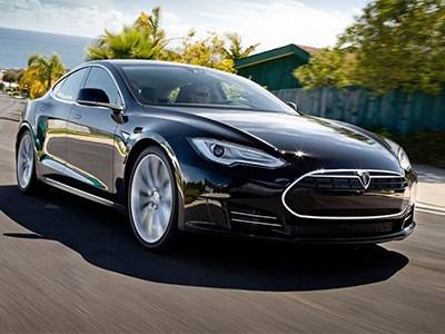 Покупателям Tesla в Шанхае предоставят бесплатные регистрационные номера