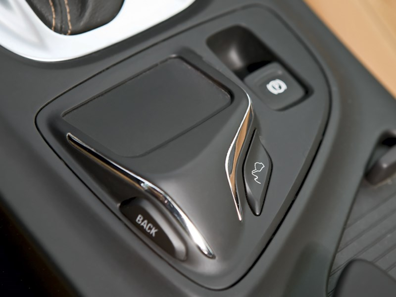 Opel Insignia 2014 интерьер