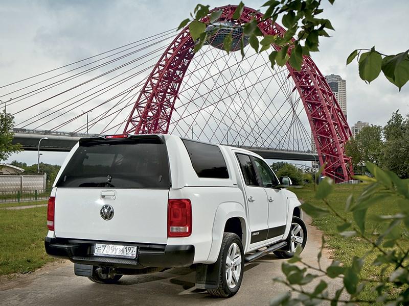 Volkswagen Amarok 2014 вид сзади