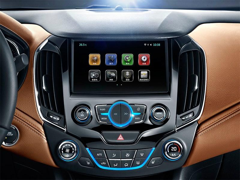 Chevrolet Cruze 2015 центральная консоль