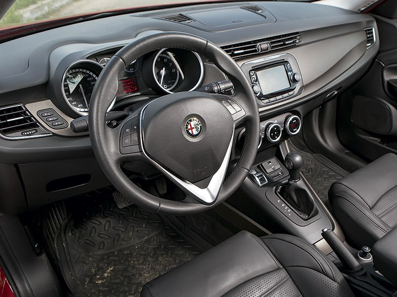 Alfa Romeo Giulietta 2014 салон