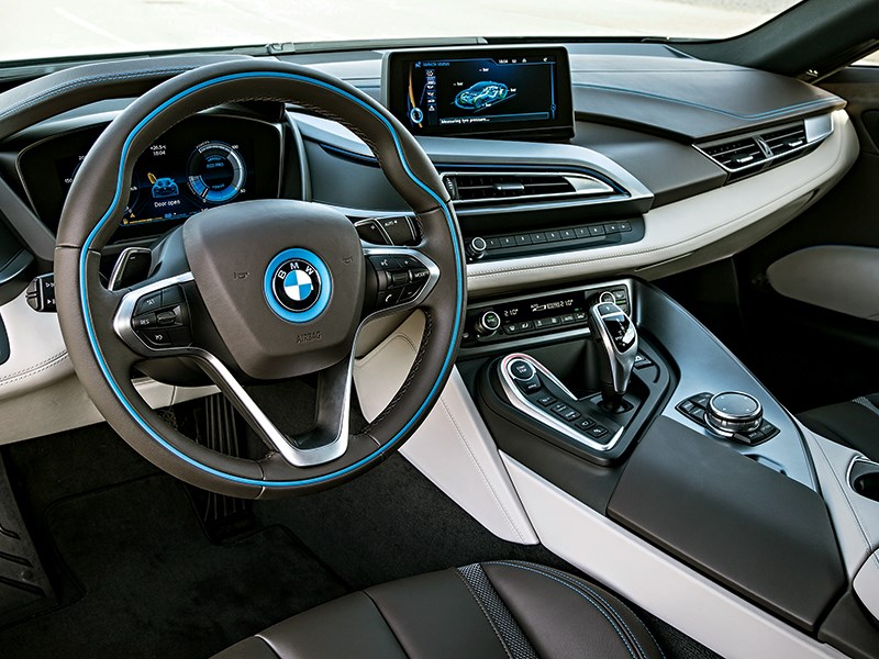 BMW i8 2014 салон