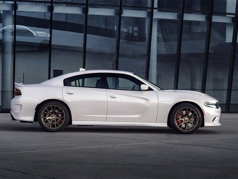 Dodge Charger SRT Hellcat 2015 вид сбоку