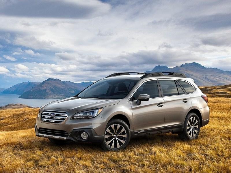 Subaru Outback 2015 вид спереди сбоку