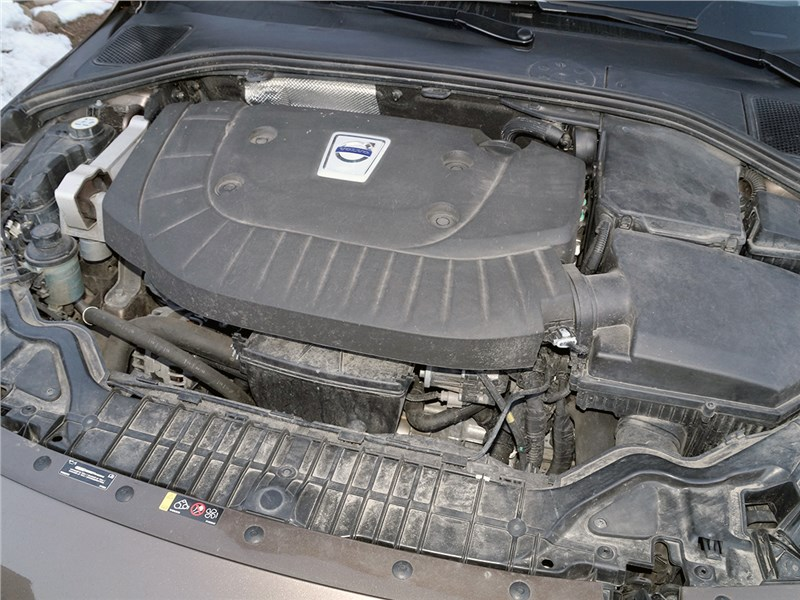Volvo V60 Cross Country 2015 двигатель