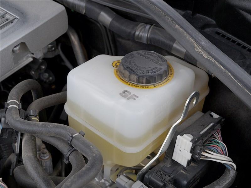 Lexus LX 2016 тормозная жидкость