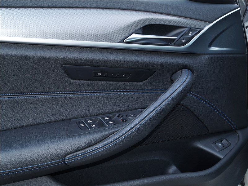 BMW 520d 2017 дверь