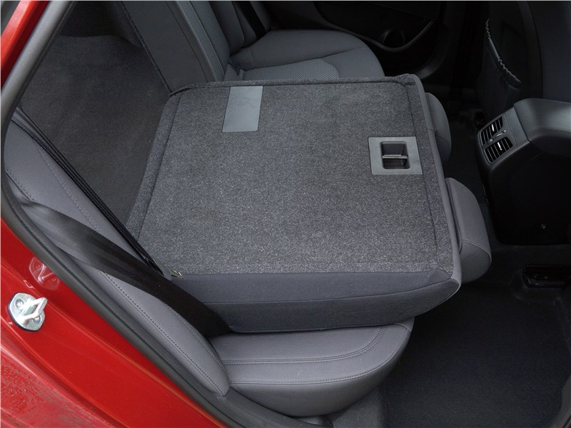 Hyundai Sonata 2018 задний диван