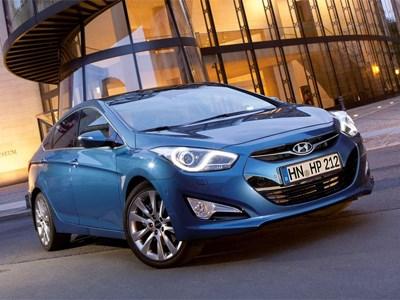 Дилеры Hyundai распродают i40 со скидкой